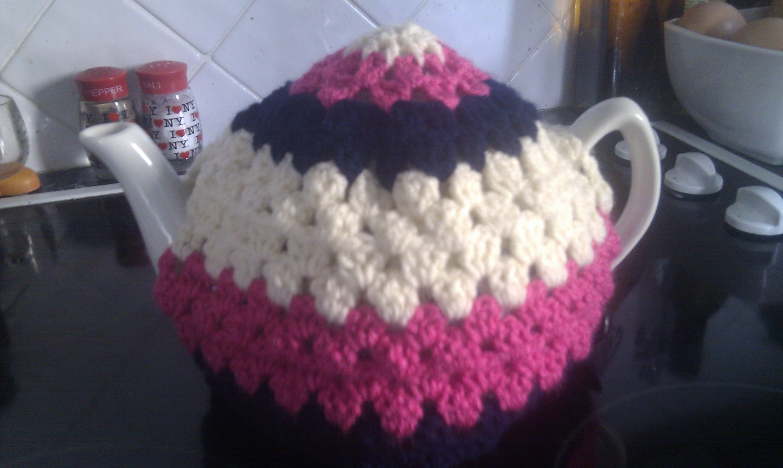 Free Easy Tea Cosy Crochet Pattern : Crochet Tea Cosy ? humbugshouse