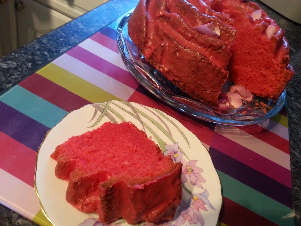 Rose Bundt Cake   humbugshouse